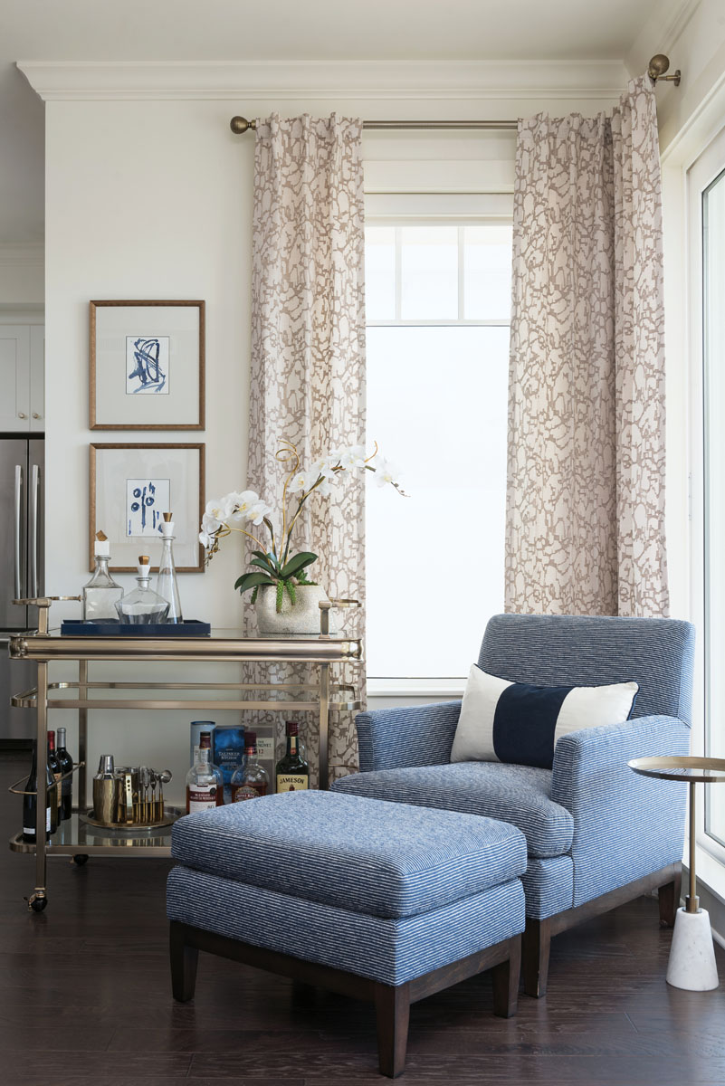 The designer's favorite space is the cozy sitting corner in the great room. The inviting little nook creates a perfect spot for reading or enjoying the magnificent views.