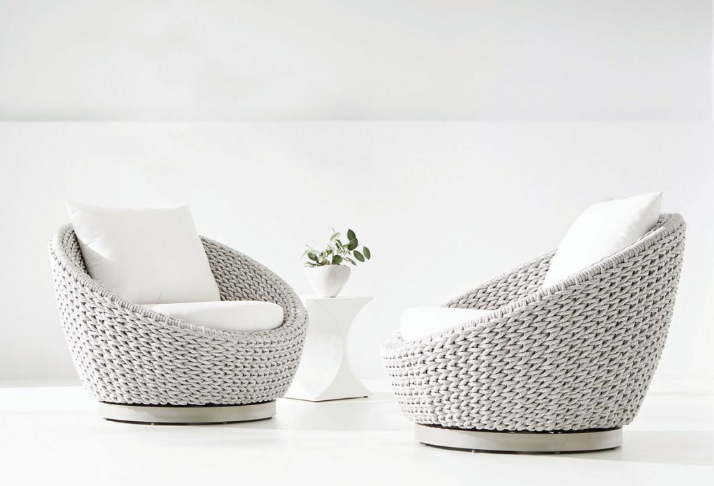 Bernhardt puts a modern spin on the classic Papasan chair with their Savaii swivel chairs, made of round rope in an all-weather marled clay finish. Wicker & Rattan_FD31-2D