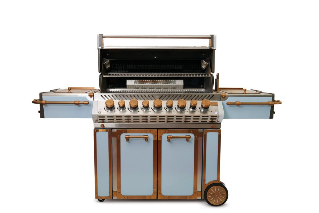 Fire it up in style with Officine Gullo's OG BBQ100. Crafted from stainless steel with brass accents, this glam grill can be finished in a variety of bespoke colors