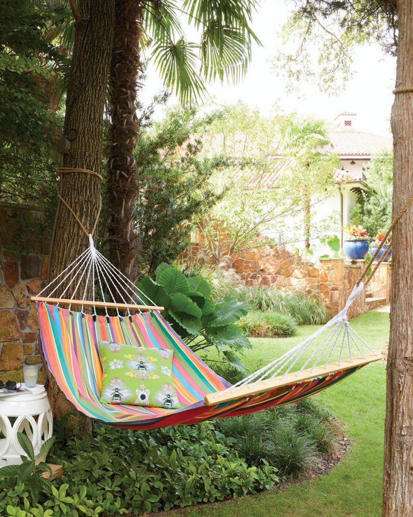 Take hanging out to the next level in the Le Jardin Sundure hammock from Garden Fun.