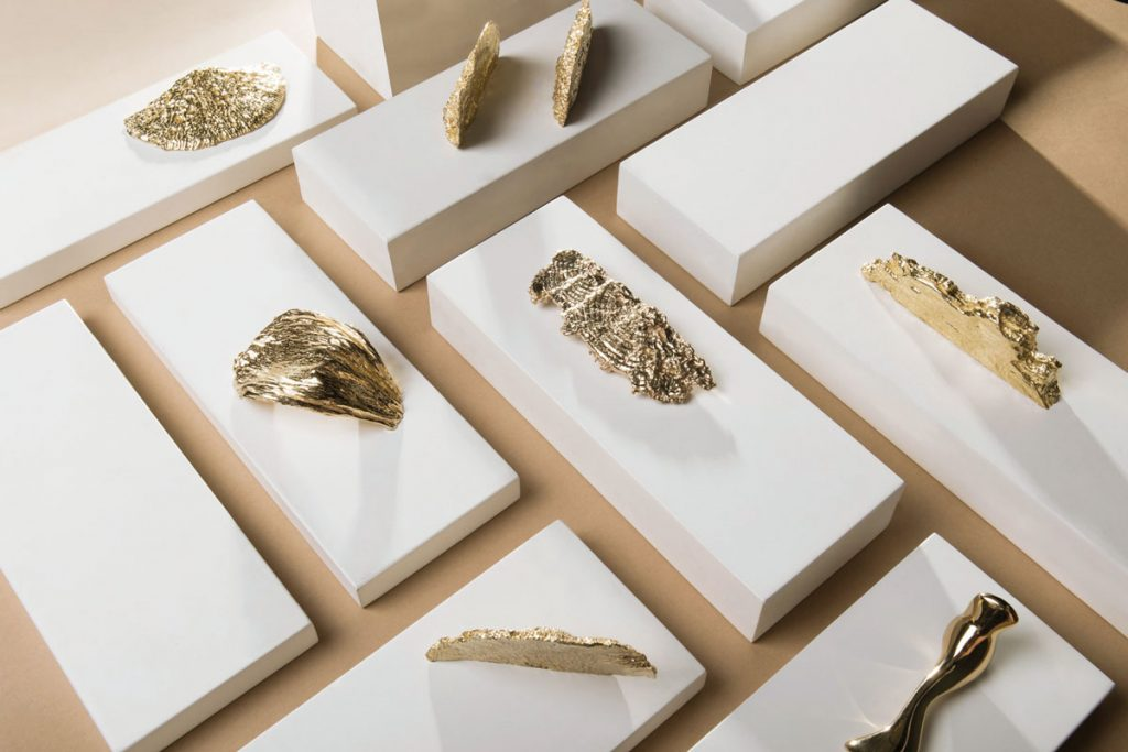 With shapes that reflect the biodiversity of coral reefs, the Toile door and cabinet hardware series from Pullcast can be mixed and matched.Jewel-Like Hardware_FD31-2B
